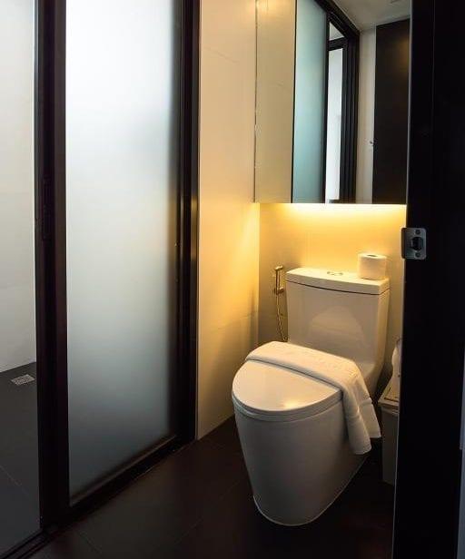 Toilet in BED Chiangmai Gate triple room