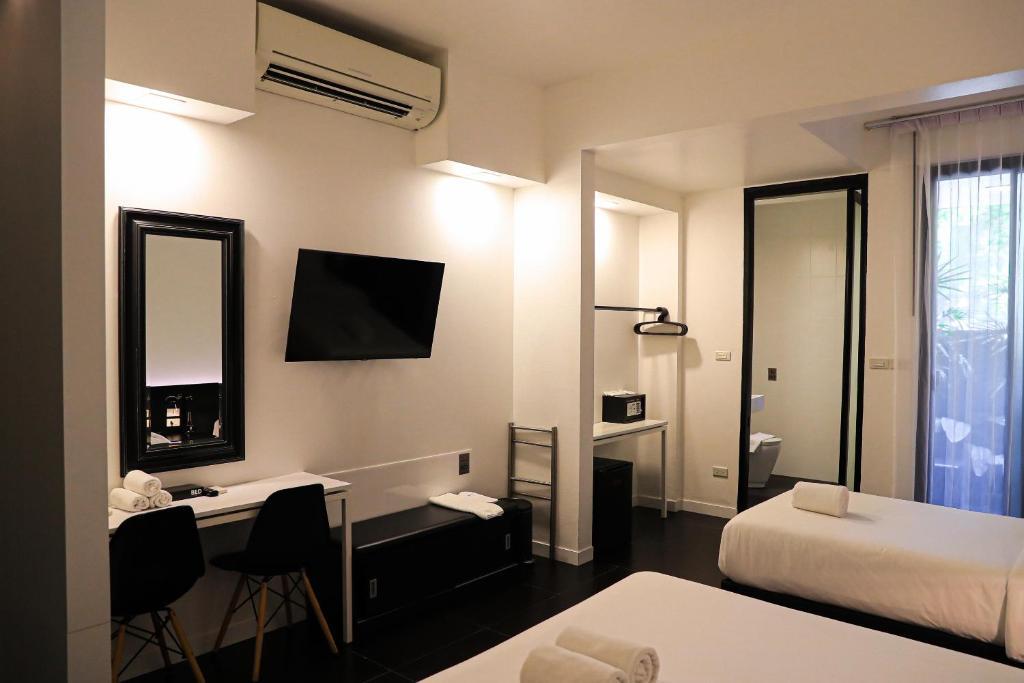 Amenity in BED Phrasingh triple room
