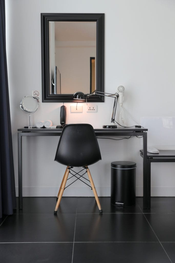 BED Room dressing table
